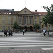 B&B. Århus Station. Banegård.
