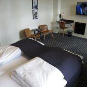Milling Hotel Ritz - stort dobbeltværelse, masser af plads