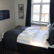 Milling Hotel Ritz - lille dobbeltværelse, tv og internet