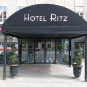 Milling Hotel Ritz - hovedindgang Banegårdspladsen 12
