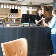 Zleep Hotel Skejby, gæst checker in