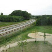 Zleep Hotel Skejby, jernbanespor og cykelsti